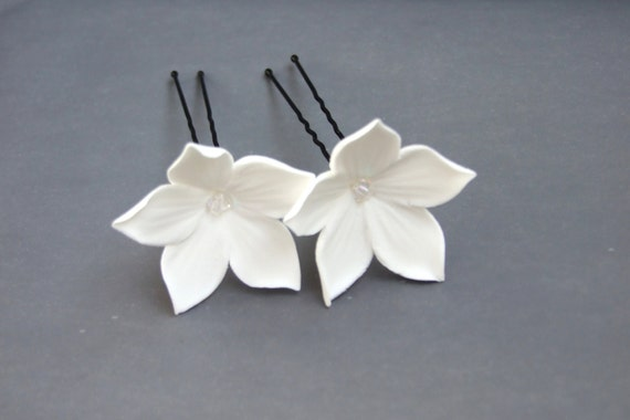 Wedding accessories, bridal hair pin, white flowers with Swarovski crystals