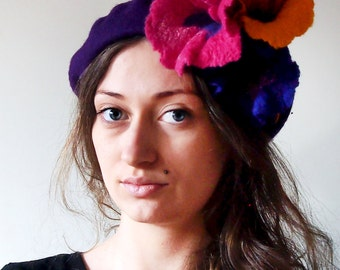 Classic French Beret- Violet- Antidotum- Craftwork- Felted Flower- Elegant & Romantic