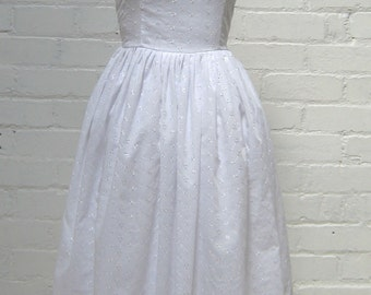 White broderie anglais roll collar marilyn monroe 1950s style dress