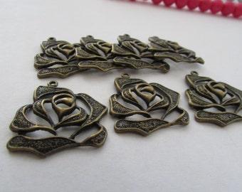 7 Rose Flowers Charm Pendant,Charm Pendant, Rose Charm Pendant,Antique Bronze charm