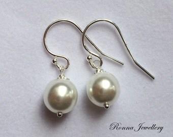 8m White pearl earrings in sterling silver, Swarovski pearl earrings, gift for her, bridesmaids earrings