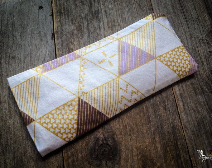 Yoga eye pillow Lavender or camomile aromatherapy Triangles meditation relaxation Handmade by Creations Mariposa RY-T