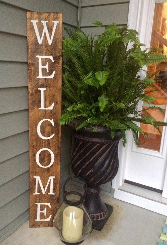 Welcome sign on reclaimed wood rustic welcome sign for Diy welcome home decorations
