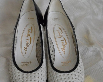 Bally Bellezza perforated leather two tone black white pumps size 6 1/2