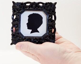 Silhouette in Elegant Black Picture Frame, Custom Gift Idea, Framed Silhouette Portrait, Gift for Mom, Christmas Gift, Silhouette Portrait