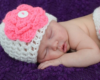 Crochet Baby Hat, Infant Girl Hat, Flower Hat, Baby Shower Gift, Photo Prop, Coming Home Outfit, Infant Flower Hat, White Beanie