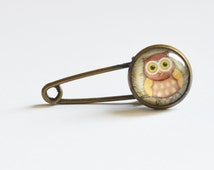 Owl Art // Mini pin-brooch made from metal brass with image under glass // 2015 Best Trends // Boho Chic // Fresh Gifts for All //