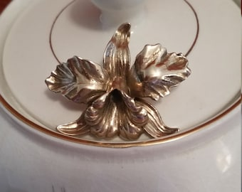 SALE!!!!10kt Yellow Gold Orchid Pendant 17Grams
