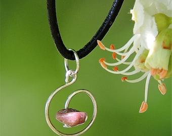 Bijou fait main, pendentif pierre rose, collier rhodonite, bijou boheme romantique, pendentif rhodonite collier pierre naturelle bijou aywin