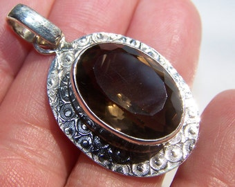 Smoky Quartz in Sterling pendant 41mm