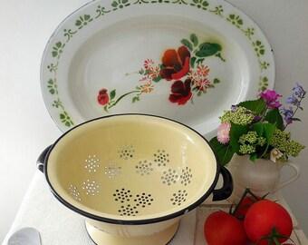 Lovely vintage enamel colander, enamelware