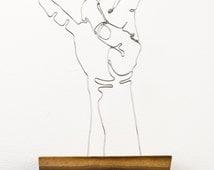 THE PITCHFORK wire art hand sculpture