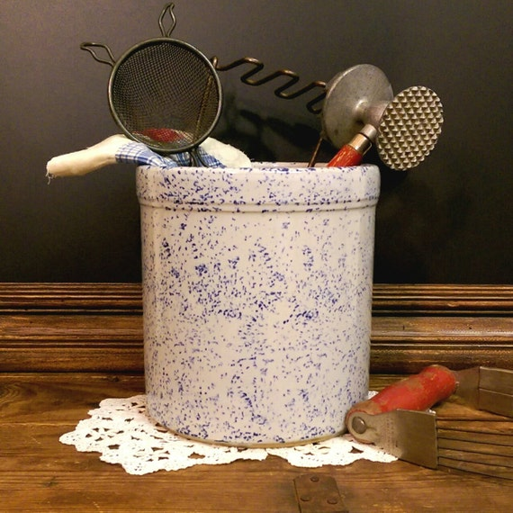 Vintage Blue & White Speckled Crock Farmhouse Kitchen