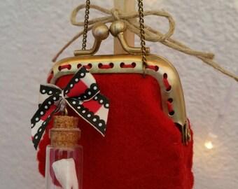 Blythe purse red felt .