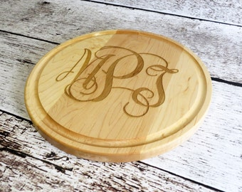 Monogrammed Round Cutting Board- Cheese cutting board- Bar cutting board- Wedding Gift- Housewarming Gift