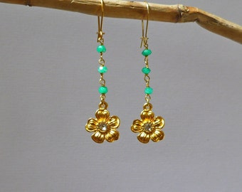 Flower earrings gold, green chalcedony beads, gold flower earrings with zirconium, dainty earrings, personalized earrings,