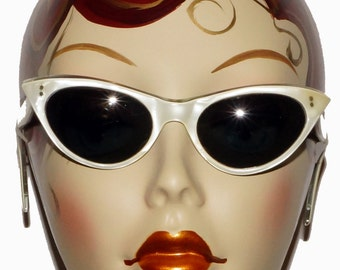 1960s Cateye Sunglasses Vintage Retro