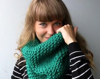 Acrylic Blend Yarn / Knit Chunky Cowl / Chunky Infinity Scarf / Turquoise / Emerald / Green / SeaGreen / Deep Green / Blue Green