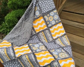 Baby Rag Quilt, In yellow/white and gray/white chevron. Reverse side has charcoal gray minky for an extra luxious feel.Handmade Quilt!