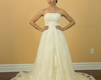 Sweetheart Applique A Line Floor Length Champagne Wedding Dresses