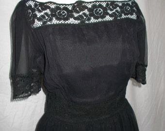 Vintage black lace dress 40s 50s Evening dress size small