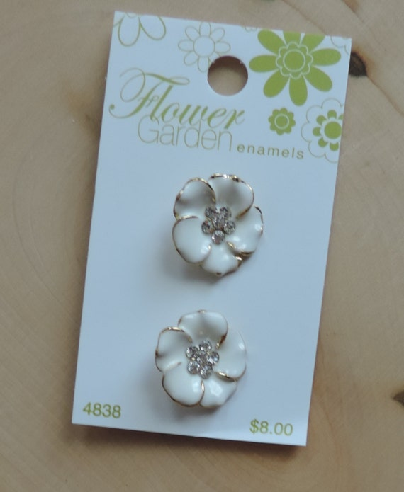 Rose Buttons, White Enamel Roses with Rhinestone Centers, #4838 Flower Garden Collection by Blumenthal Lansing Co
