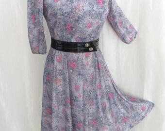 Vintage womens summer dress 70s floral pink grey lightweight three quarter sleeves