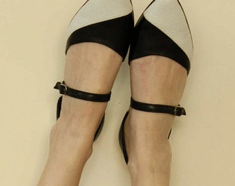 Women shoes, Black and white flats, Leather sandals, Pointy flats, Black leather flats, Handmade shoes, Two tone shoes, Super chic shoes