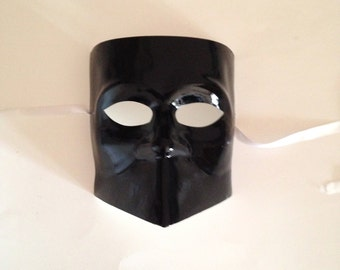 "Black Masquerade Mask ""Bauta""  or knight mask"
