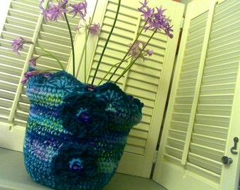 Crochet Wild flower vase cozy