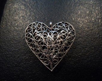 Vintage Filigree Heart Pendant, Jewelry Parts, Destash Jewelry and Craft Supply