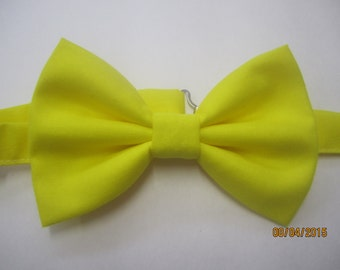 Men's yellow bow tie, yellow cotton bow tie, baby boy yellow bow tie, yellow cotton bow tie. wedding bow tie, custom bow tie, yellow bow tie