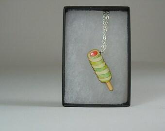 Twister Retro Pendant Necklace