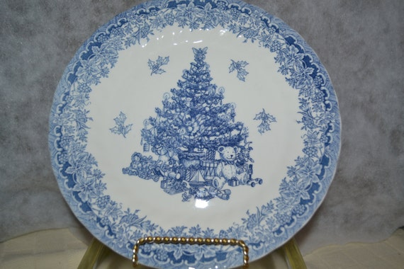 Queen S Season S Greetings Plate