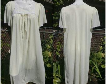 Vintage night gown-Size large-Decorated bust-Womens fine lingerie-Luxury-Feminine-Sensual-Ribbon-Honeymoon-Maternity-Vintage sleepwear-281