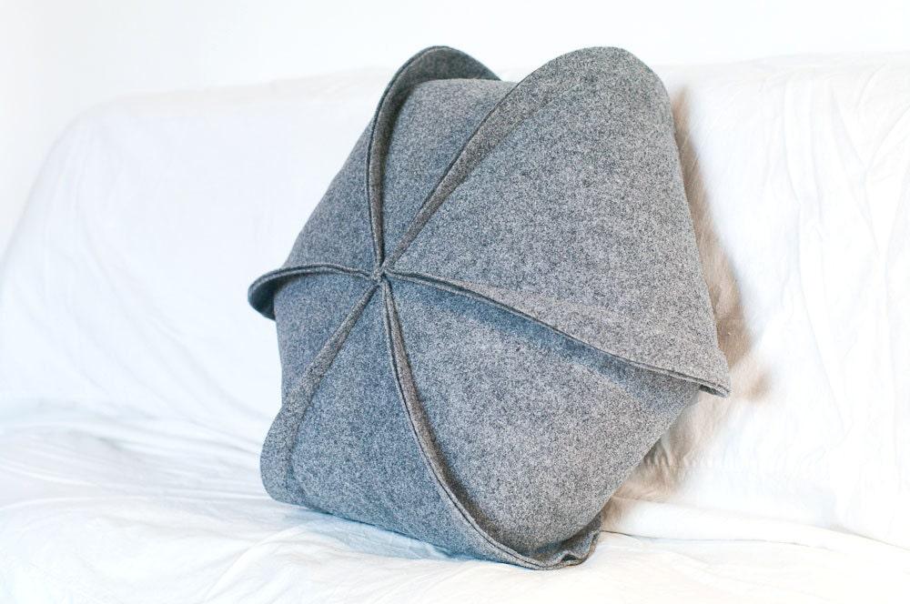 Modern Felt Pillows : Felt Pillow / Geometric / Modern Pillow / Hexagon / Grey