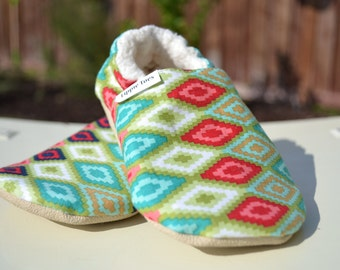 Toddler booties, geometric kids shoe, baby walking shoe, slip on shoe, baby walking shoes, toddler girl shoes, non slip baby shoe