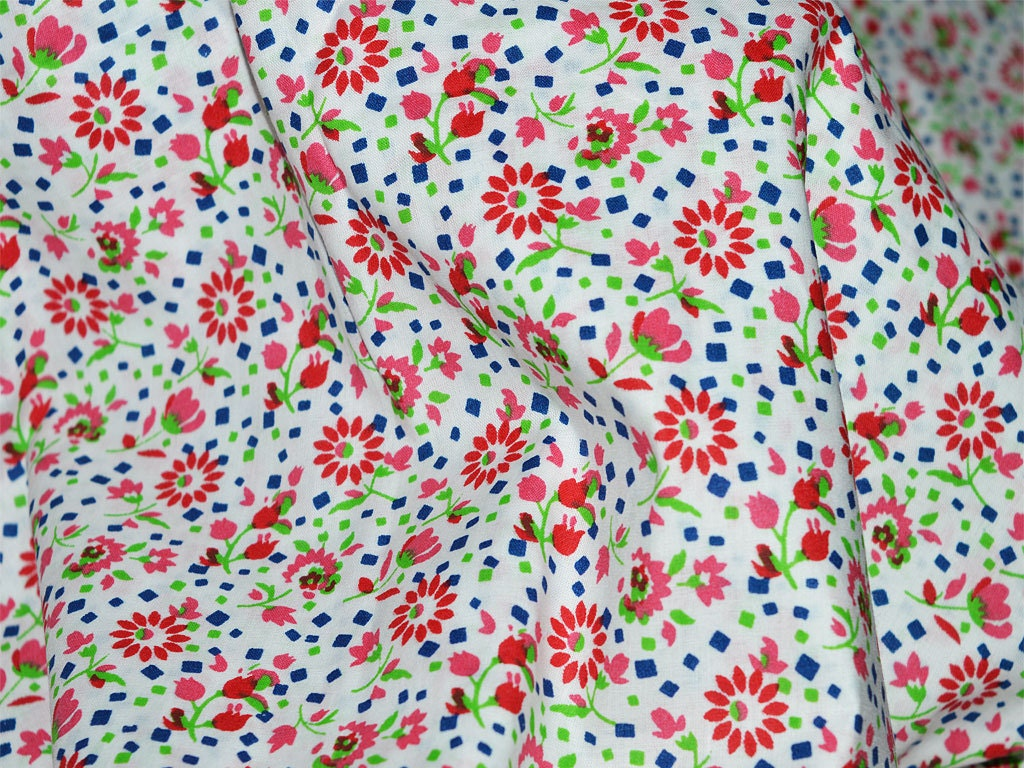 Floral fabric cotton fabric in tiny floral print for kids for Childrens dress fabric