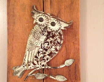 Reclaimed Wood with Metal Owl!wallart/art/tin/picture/decor/interior/hootowl
