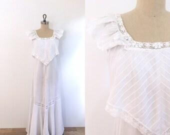 1970s Vintage Boho Wedding Dress | small