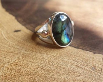 Made for you! Comissioned labradorite sterling silver ring!