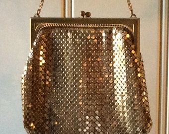 Vintage Whiting & Davis Gold Metal Mesh Handbag/History ,Art Fashion/Metal Mesh Handbag/ Whiting Davis/Gold Metal Mesh/Collectible Handbag