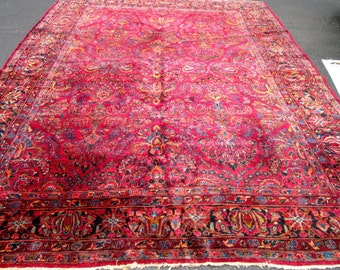 Absolutely Gorgeous Antique Persian Sarouk Rug.