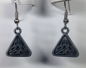 Pewter Celtic Knot Earrings -PE022