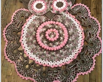 Crocheted owl rug - owl nursery - girls room decor -nursery decor - area rug - dorm room decor - owl wall hanging - owl home decor
