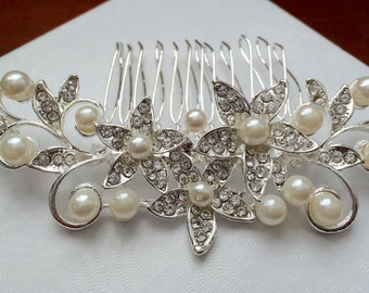 Wedding hair comb, Pearl bridal hair comb, bridal hair accessories, wedding hair accessories, crystal hair comb, vintage comb,flower comb