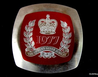 Metal Dish The Queen's Silver Jubilee, 1977 The Queens Jubilee collectable plate