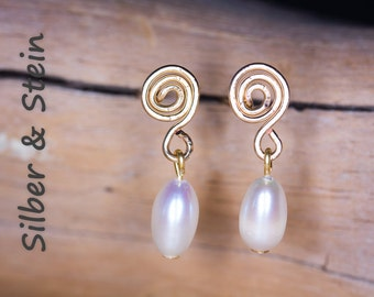small pearl earrings goldfilled