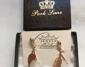 Vintage Jewels by Park Lane gold tone feather earrings