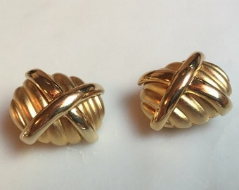 Vintage gold tone FO Inc earrings